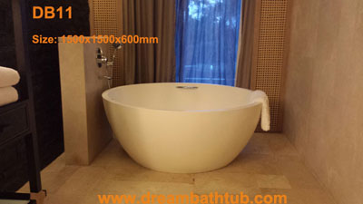 Cast stone bathtub